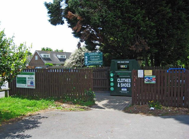 Avisford Park Recycling Centre, Nyetimber Lane, Rose Green