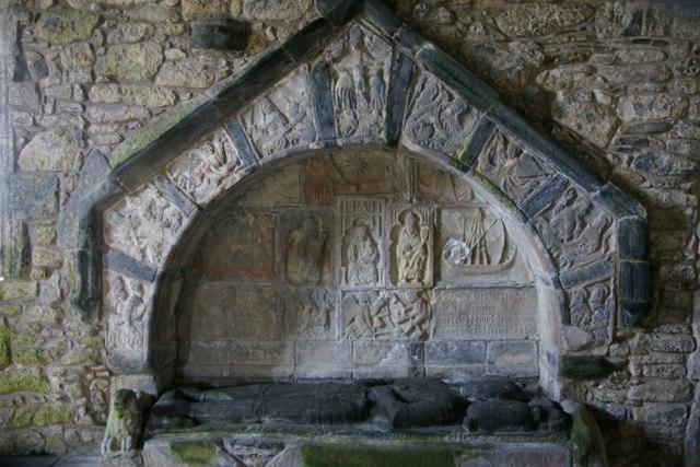 Tomb of Alasdair Macleod in St Clement's Church, Rodel (Tur Chliamainn, Roghadal)