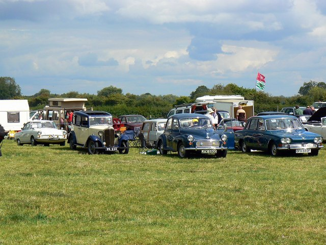 Classic cars, Swindon and Cricklade Railway, Blunsdon