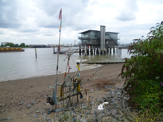 Informal sculpture on the Thames foreshore