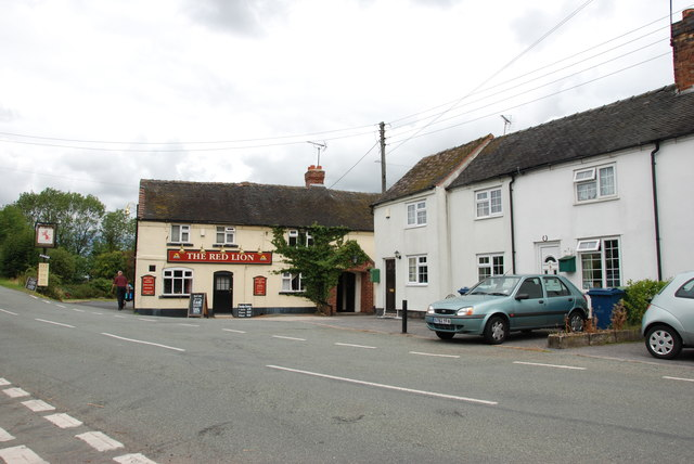 The Red Lion and Houses, Derrington