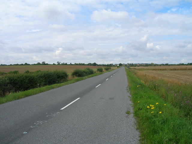 B6463 towards Oldcotes