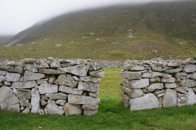 Drystane dykes, An Lag, St Kilda