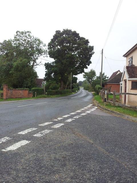 Road junction in Hemingstone