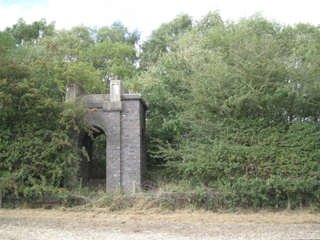 Remains of a railway footbridge, Birch Coppice