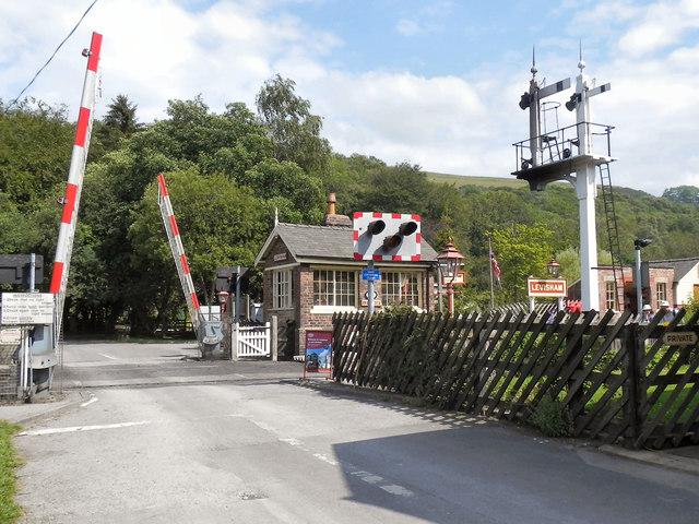 North Yorkshire Moors Railway, Level crossing at Levisham