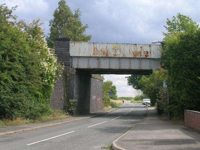 Railway bridge over Steadfolds Lane
