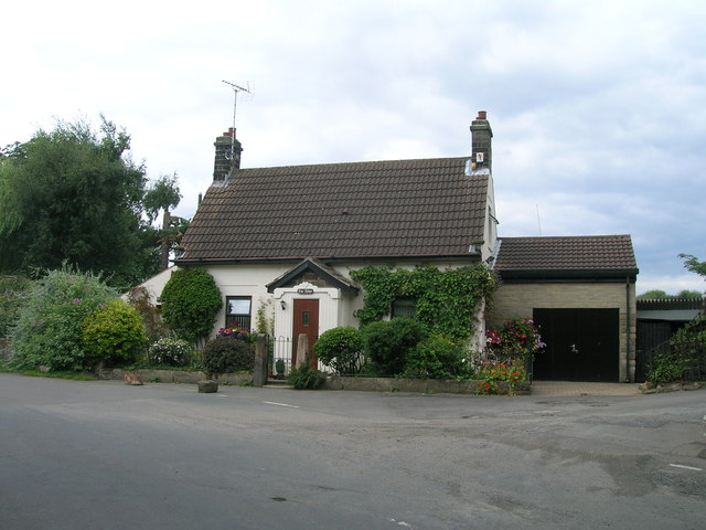 Cottage, Brookhouse
