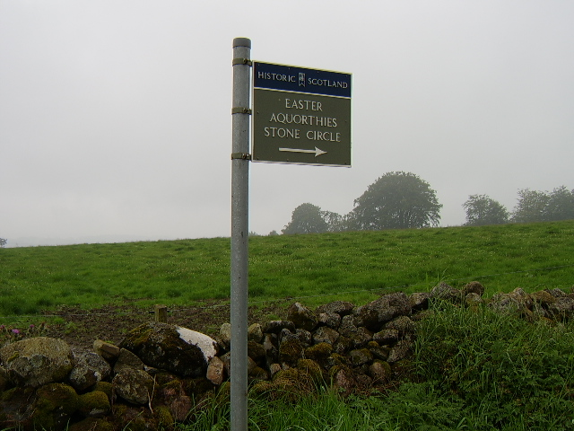 Easter Aquorthies Stone Circle signpost