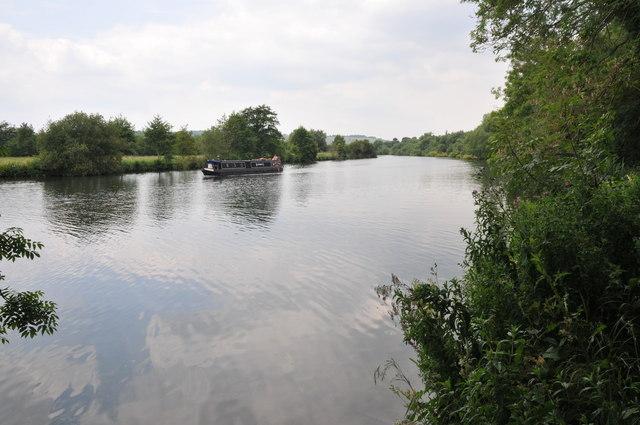 River Thames below Lower Hartslock Wood