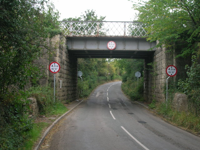 Railway bridge over Limekiln Lane