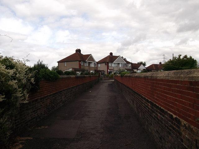 Footbridge near Longmead Avenue