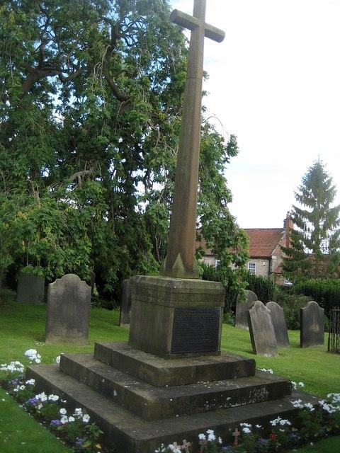 Kirkbymoorside War Memorial (1)