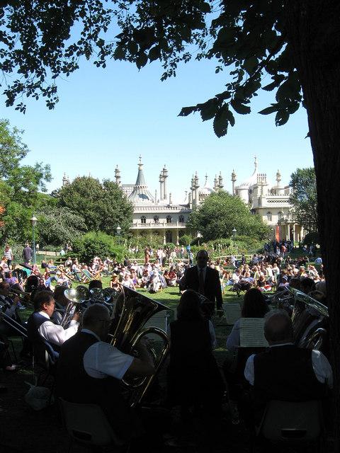 Band, Pavilion Gardens