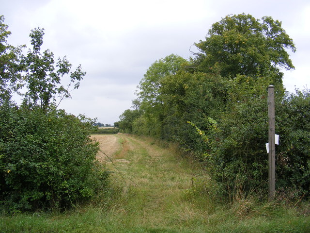 Footpath to Hall Lane & Chapel Road