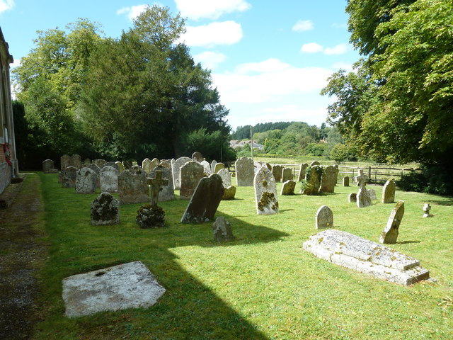 Abbotts Ann - St Mary: churchyard (5)