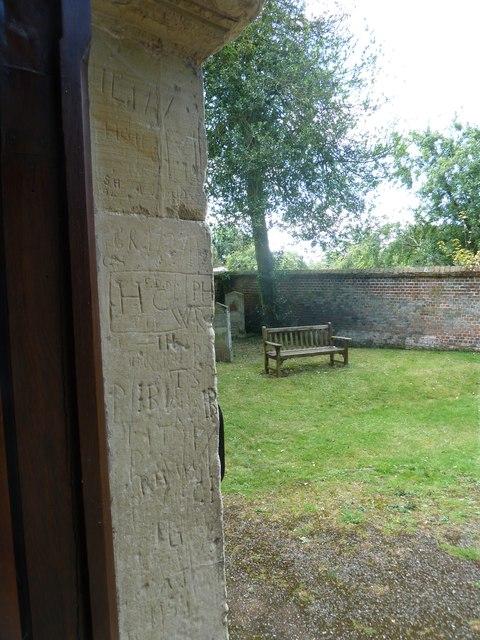 Abbotts Ann - St Mary: churchyard (7)