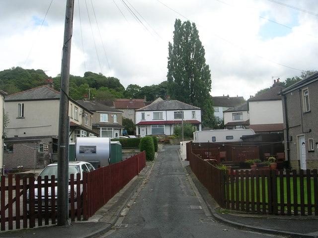 Poplar Avenue - Poplar Crescent