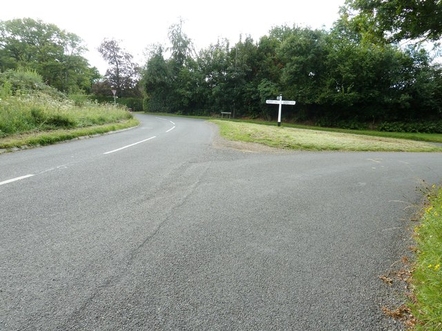 Junction of Treemans Road with Monteswood Lane
