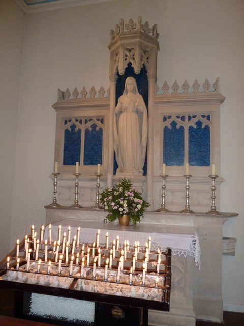 Inside the Friary Church of St Francis and St Anthony, Crawley (c)