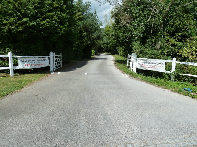 Entrance to Lindfield Golf Club