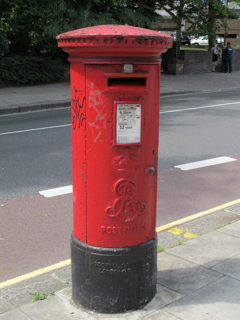Edward VII postbox, Shoot-up Hill / Kingscroft Road, NW2