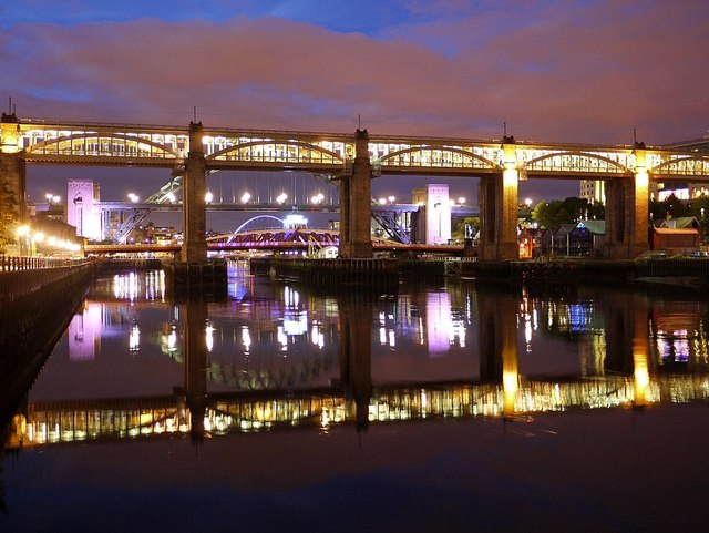 Night view of the Tyne bridges from the west
