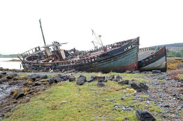 Boats at the old pier, Salen (1)