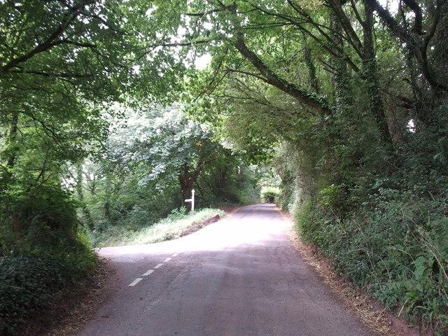 Lane junction near Milton Hill