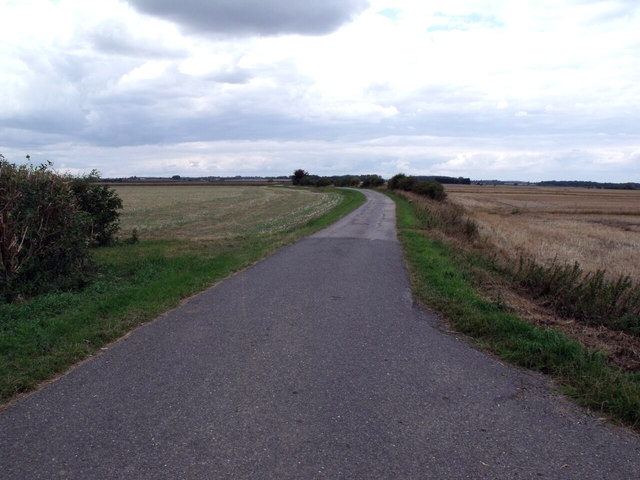Road through Dorrington Fen