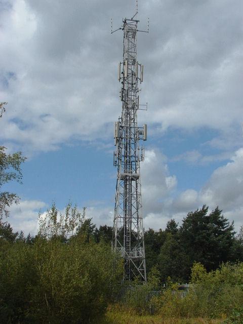 Telecommunication mast, Chobham Ridge