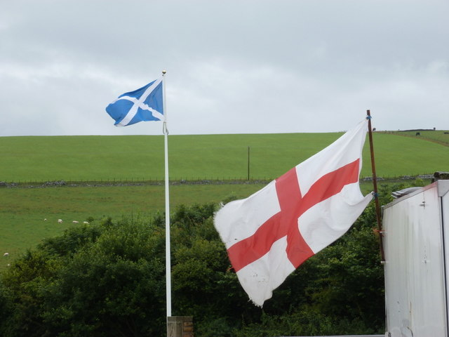Lamberton: national flags at the national boundary