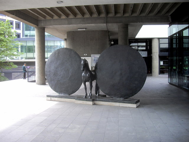 Sculpture 'Union' outside The Museum of London