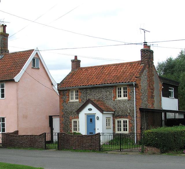 Flint and brick cottage in Middleton