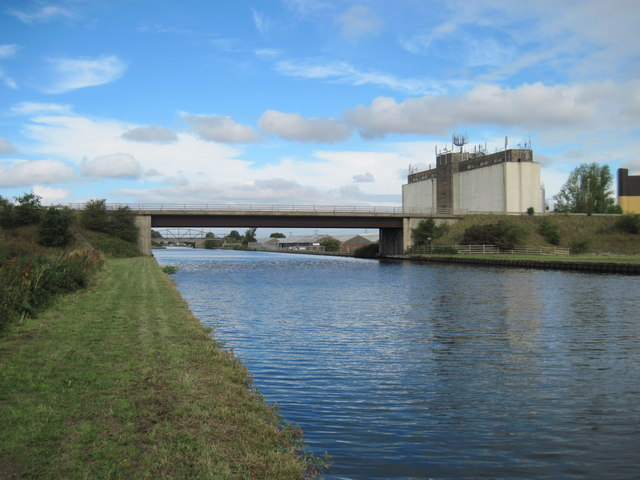 Aire  and  Calder  Navigation  at   Whitley  Bridge