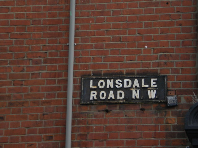 Street sign, Lonsdale Road NW6