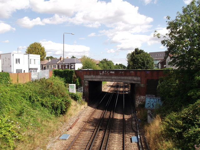 Avery Hill Road bridge over the railway