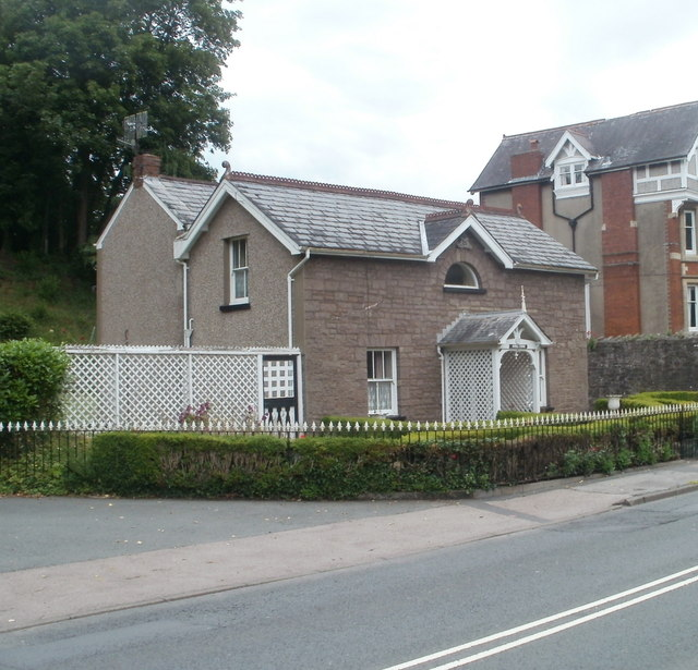 Knoll Lodge, Abergavenny