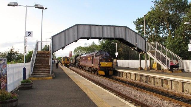 Evening 'rush hour' at Dalmeny Railway Station
