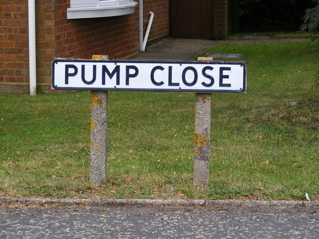 Pump Close sign