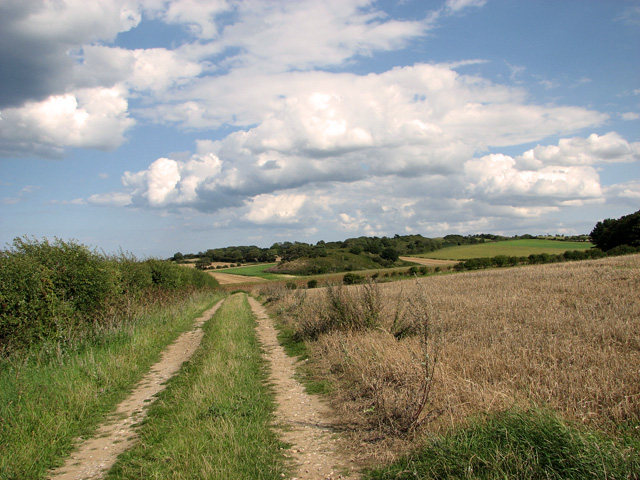 Farm track east of Barn Drift, Cley