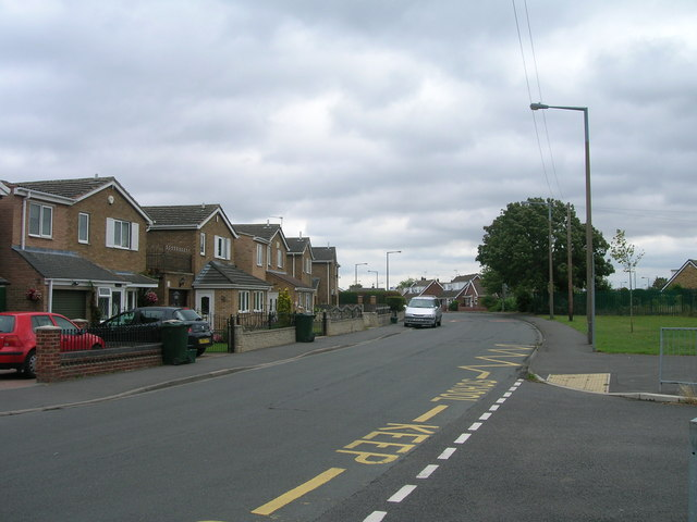 Bond Street, New Rossington heading east