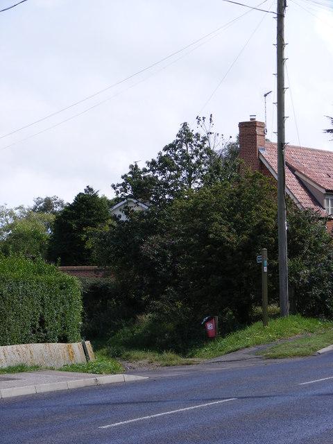 Lodge lane Bridleway to Deadman's Covert & Tinker's Walks