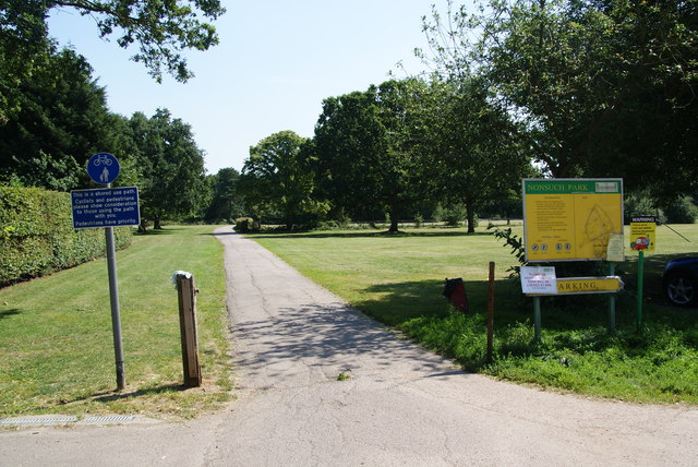 The northern entrance to Nonsuch Park