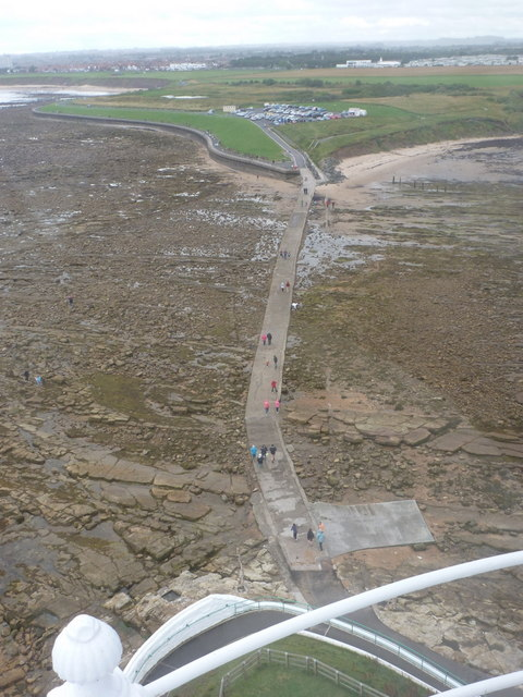Whitley Bay: St. Mary's causeway from above