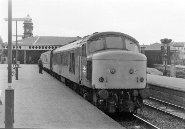 'Peak' Diesel at Scarborough, 1983