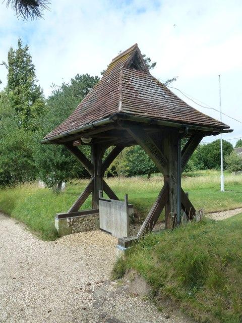 St Leonard,  Cliddesden: lych gate