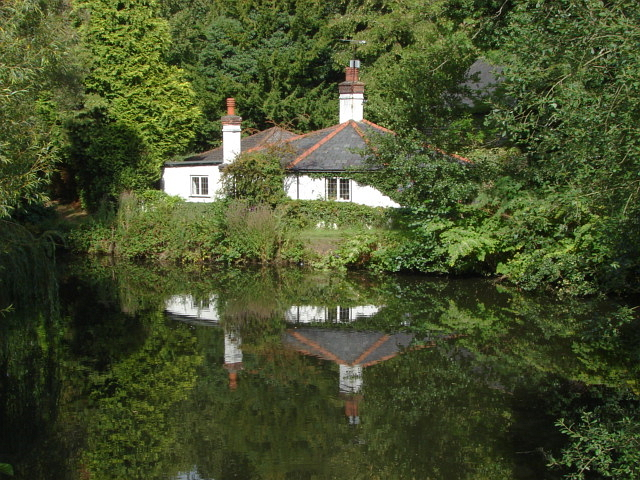 Lodge Cottage, Basingstoke Canal