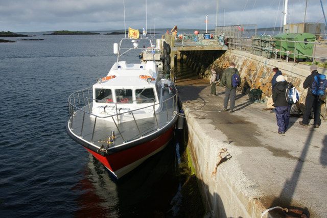 MV Orca II at the pier at An t-Ob (Leverburgh)