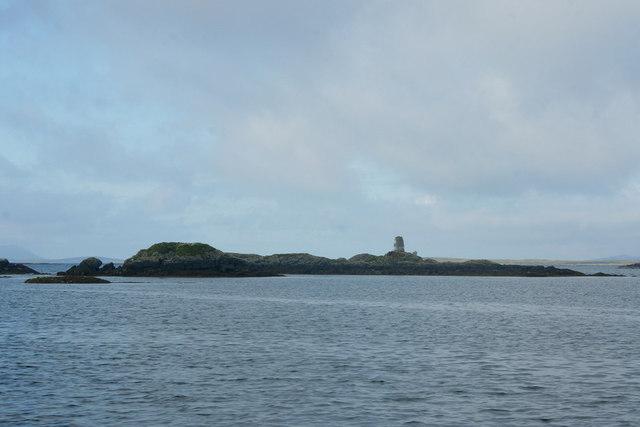 Eilean a' Charnain, off An t-Ob (Leverburgh)